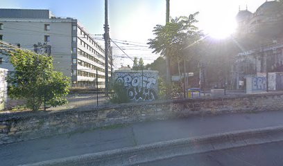 Aux Services BRUNEL 69005 Lyon