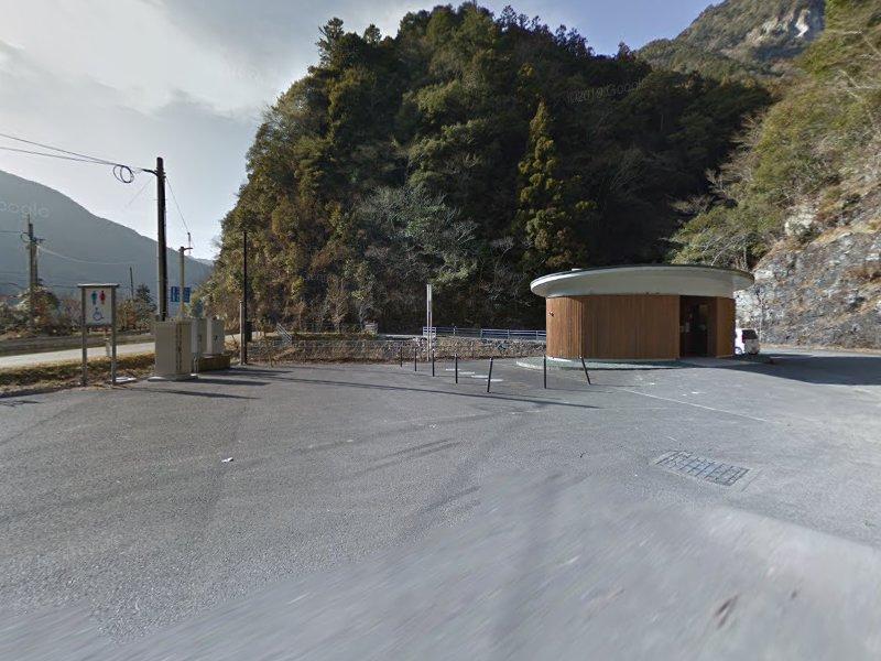小金滝駐車場